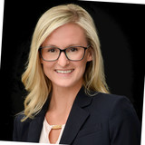 Stephanie Smith, Commercial Real Estate Broker at Vantage Realty Group in the Real Estate industry